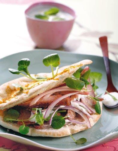Salade d'agneau au cresson, sauce fraîche au yaourt