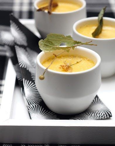 Petits pots de crème aux plantes