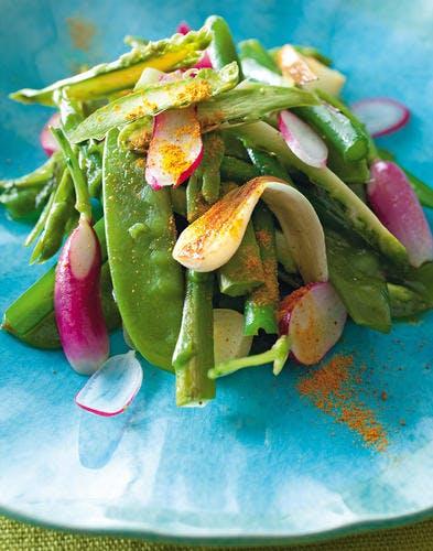 Légumes crus et cuits à peine épicés