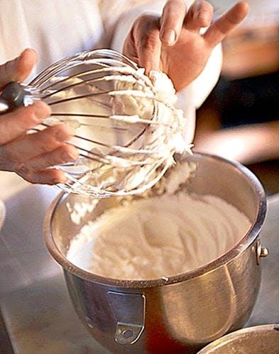 Gâteau de maman blancs montés