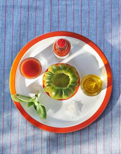 Tomate farcie au sorbet basilic sur carpaccio ingrediebts