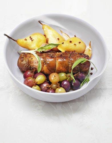 Filet mignon rôti et poires
