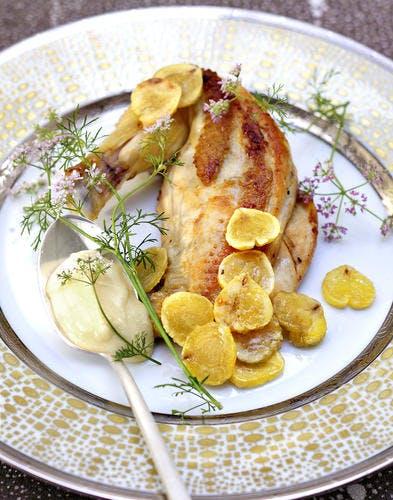 Volaille rôtie, fondue de parmesan et châtaignes