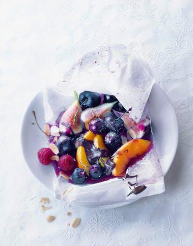 Papillotes de fruits sauce chocolat