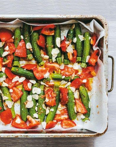 Mini-courgettes rôties à l'ail et aux tomates