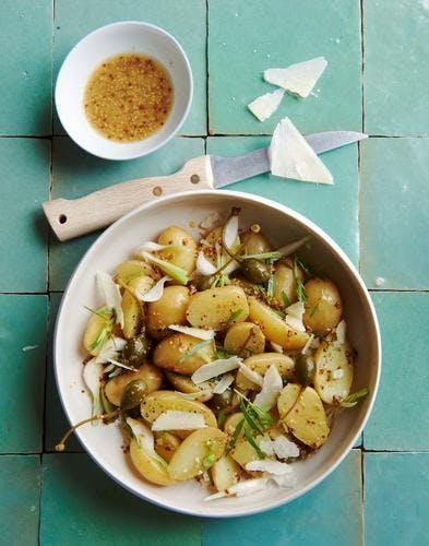 Salade de pommes de terre, vinaigrette à la bière