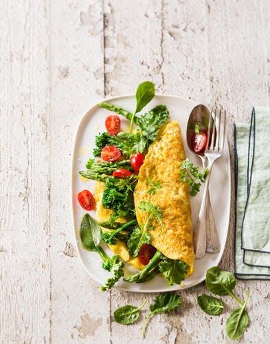 Omelette aux légumes de printemps
