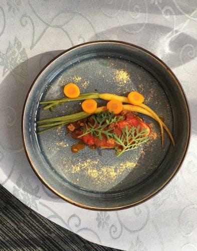 Homard, carottes, poivre timut et pain d'épices