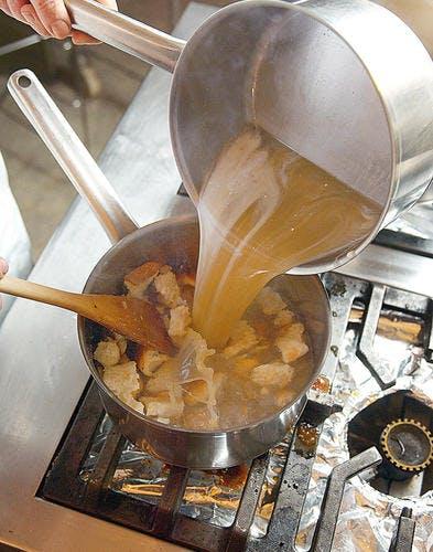 La soupe de pain de maman - étape 3