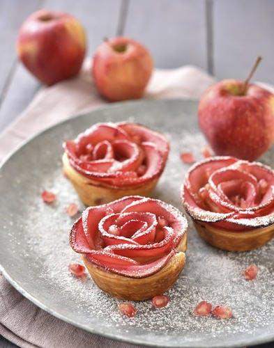 """Tartelettes """"roses"""" aux pommes"""