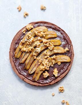Tarte chocolat, banane et pop-corn au caramel