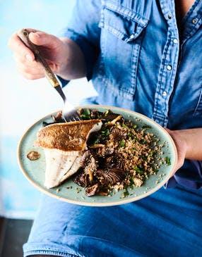 Filets de limande, champignons et taboulé aux herbes