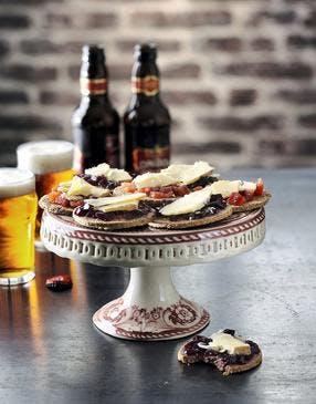 Crackers de cheddar à la gelée de vin rouge (youmiam)