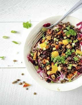 Salade de lentilles aux légumes caramélisés et à l'orange
