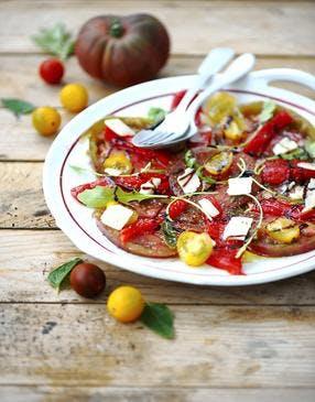 Carpaccio de tomates, poivron et parmesan