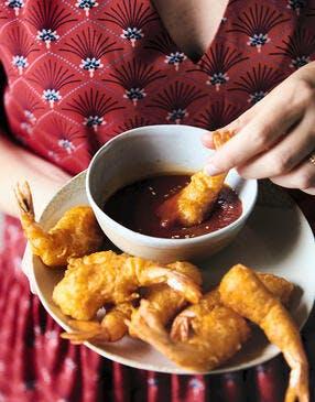 Beignets de crevettes en tempura pimentée