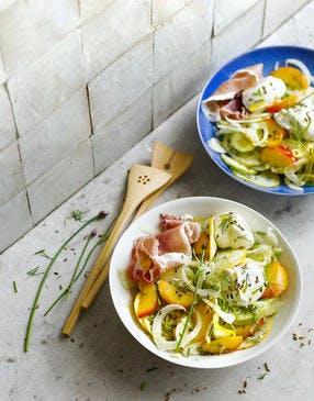Salade de fenouil aux pêches et burrata