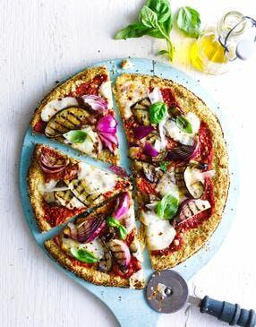 Pizza en pâte de chou-fleur