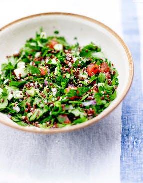 Taboulé libanais au quinoa et aux herbes fraîches