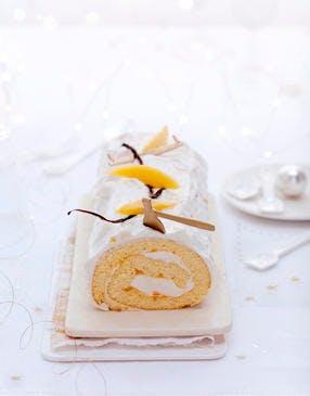 Bûche roulée, neige à la vanille et mangue