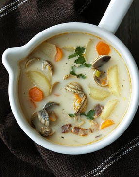Boston clam chowder - Bouillon aux coquillages