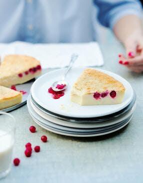 Gâteau magique à la vanille et aux groseilles