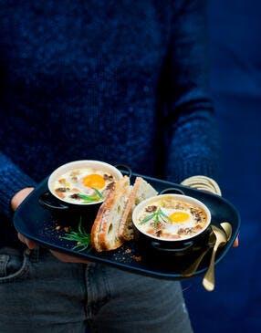 Oeufs cocotte aux morilles et foie gras