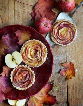 Tartelettes aux pommes en bouton de rose