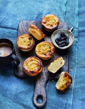 Petite tarte façon pastéis de nata café et fève tonka