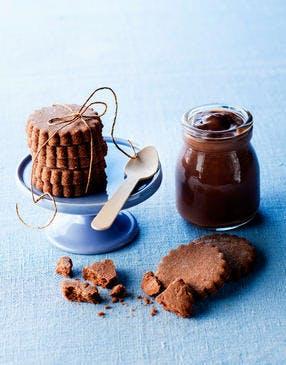 Sablés cacao et crème chocolat