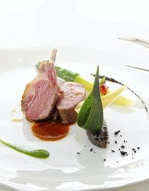 Agneau Comte de Provence, asperges vertes aux olives