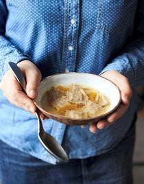 Ravioles champi-foie gras et bouillon d'hiver