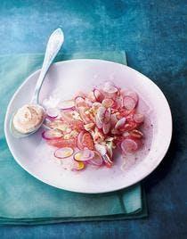 Salade de radis et pamplemousse au crabe