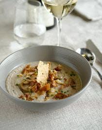 Crème de champignons au poulet rôti et parmesan