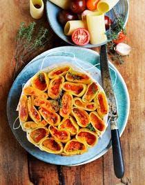 Gâteau de cannelloni aux tomates et thym