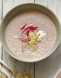 Soupe fraîche de radis roses