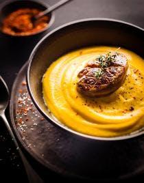 Crème de courge et foie gras poêlé au mélange d'épices