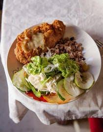 Cordon bleu et riz cubain aux haricots rouges (moros y cristianos)