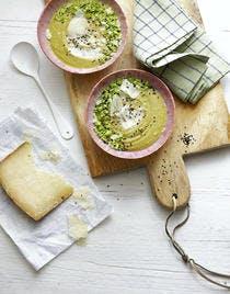 Velouté pois cassés-brocoli, graines de nigelle
