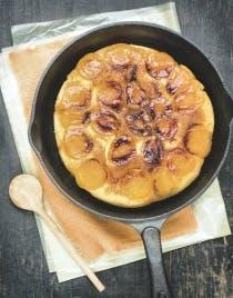 Gâteau à la poêle aux abricots et miel de fleurs