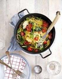 Spaghettis aux tomates cerises, épinards et mozzarella