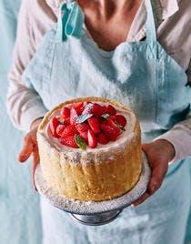 Charlotte au fromage blanc, fraises et basilic