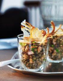 Salade de lentilles au saumon façon crumble
