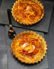 Tartelettes aux carottes à la crème d'orange et zestes confits