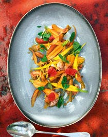 Écrevisses sauvages de Camargue, carottes en jus de curcuma