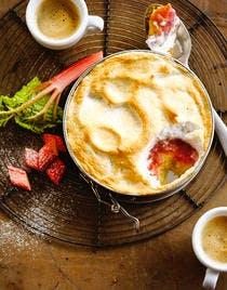 Gâteau à la rhubarbe meringue