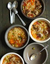 Zuppa con polpettine - bouillon italien aux boulettes