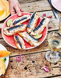 Toasts aux sardines piri-piri