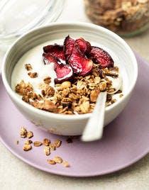 Granola bowl aux prunes