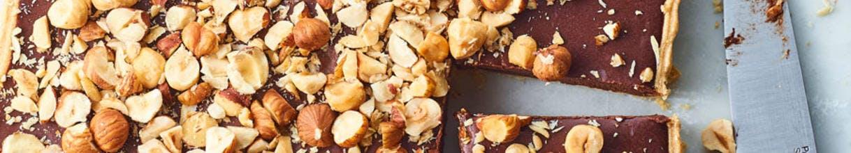Tarte carrée aux chocolat et noisettes